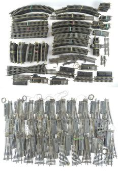 Fleischmann H0 - 6001/6414/6026/and others - 251- piece collection of rails with 30x points [583]