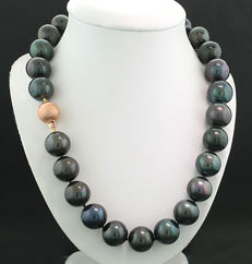15-17 mm Tahitian pearl necklace rarity diamond clasp made of 585 rose gold – NO RESERVE!