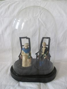 Napoleon III bride globe with 2 heads moving old characters inside