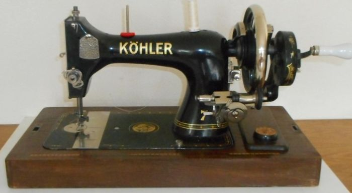 Antique Köhler Sewing Machine with wooden dust cover, Germany, early 20th century