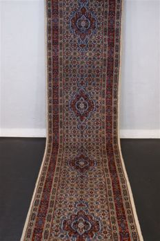 Hand-knotted original Persian carpet oriental Moud approx. 390 x 80 cm, good condition Iran cork with silk