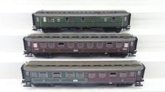 Fleischmann H0 - 5852/5853/5854 - Three carriages first and third class including post carriage of the KPEV