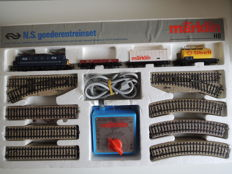 Märklin H0 - 0991 - Starter set with an electric locomotive Series 1100 of the NS