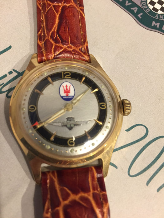 Maserati watch Touring Coupe 3500GT gold coloured with leather strap, 34 mm, original vintage