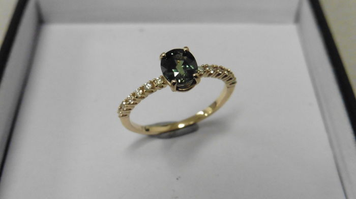 14k Gold Green Sapphire and Diamond Ring - size 51 , L