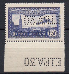 France 1930 - Airmail - Plane flying over Marseille - 1.50 Fr Overseas perforated EIPA30 - Yvert no PA 6c.