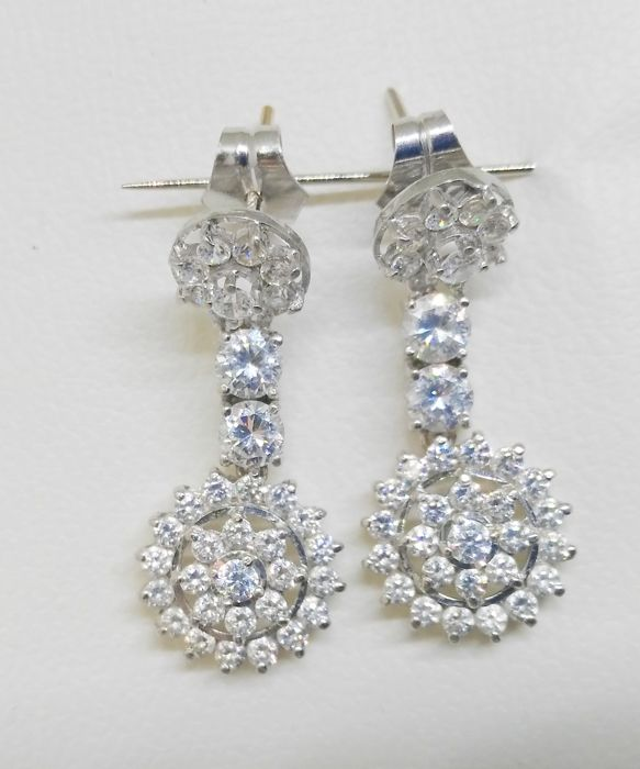 earrings in 18 kt white gold with zirconias