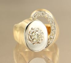 14 kt yellow gold and platinum ring set with 12 brilliant cut diamonds, approx. 0.50 carat in total