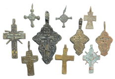 Very Fine Selection of 10 Medieval / Post Medieval Cross pendants - 23-57 mm (10)