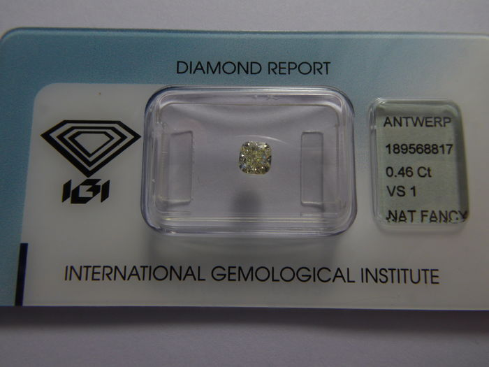 0.46 ct brilliant cut diamond, natural fancy light yellow, VS1