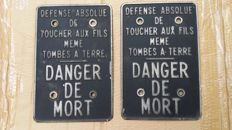 Two iron plates DANGER DE MORT iron - 1970/1980