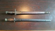 Lot of 2 bayonets WW1 very good condition with scabbard