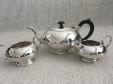 Ornate vintage three piece high quality silver plated tea set with smooth design.C.W&CO LTD ENGLAND. Second half of 19th century