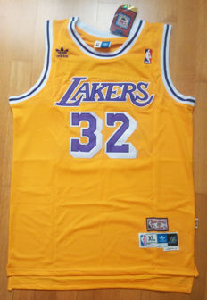 Earvin Magic Johnson - Original signed LA Lakers Jersey + COA  - PSA/DNA