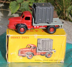 Dinky Toys- France - Scale 1/48 - Berliet platform with Container No.34B