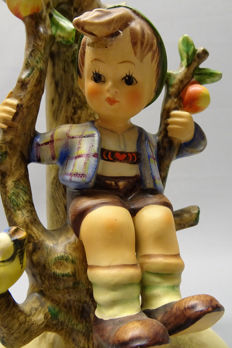 "Goebel Hummel - 230 Table lamp ""Autumn/Apple tree boy"""