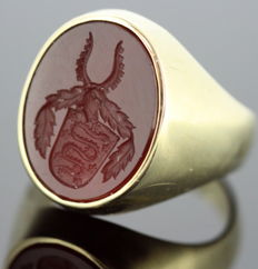 Victorian 14K Yellow gold seal ring, seal circa. 1880, Snake on Coat of Arms