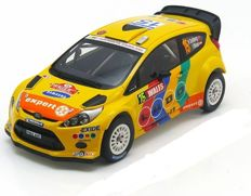 Minichamps - Schaal 1/18 - Ford Fiesta WRC Stobart #15 - Wales Rally GB 2011 - Drivers: Solberg / Minor - Limited 1002 pcs