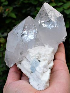 Top Quality twin Quartz with Aquamarine - 134 x 118 x 106 mm - 925 gm