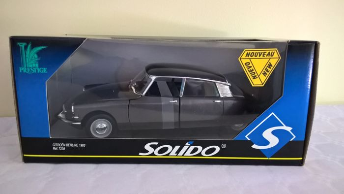 Solido-Prestige - Scale 1/18 - Citroën ID Berline 1963 - Blue