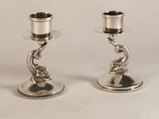 Set of 2 silver single light candle stands with dolphin foot - DA+ - Netherlands - 20th century