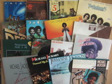 18 Albums By The Jackson Five (6x), Michael Jackson (5x), The Jacksons (4x), Jermaine Jackson (2x) & Jackie Jackson (1x)