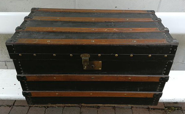 Vintage wooden sea chest – Black with Brown wooden slats and (with iron mounts and handles) copper rivets, ca. 1930