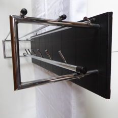 Electrimeufa Wassenaar - chrome and faux leather coat rack