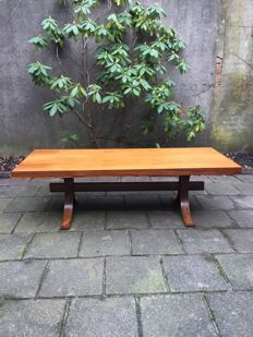 Unknown manufacturer - vintage coffee table