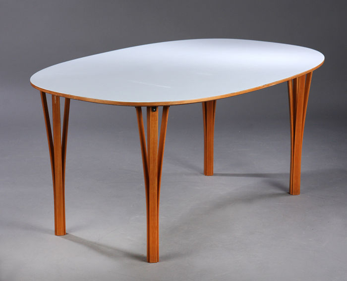 Arne Jacobsen, Piet Hein, Bruno Mathsson For Fritz Hansen U2013 Super Elliptical  Table.