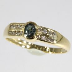 Sapphire and brilliant cut diamond 18k gold ring,size 49 - no reserve price