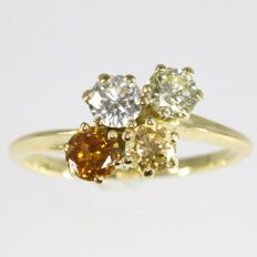 Four stone diamond cluster ring in 18K yellow gold - 0.80 crt total diamond weight - Ring size: EU-48 & 15½, USA-4½, UK-I Free resizing!*