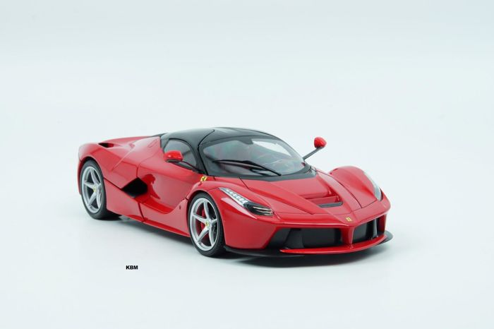 Hot Wheels - Scale 1/18 - Ferrari LaFerrari F70 Hybrid 2013 - Red