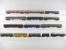 Fleischmann/Arnold/e.a. N - 14 different coaches, most coaches of the DB [567]