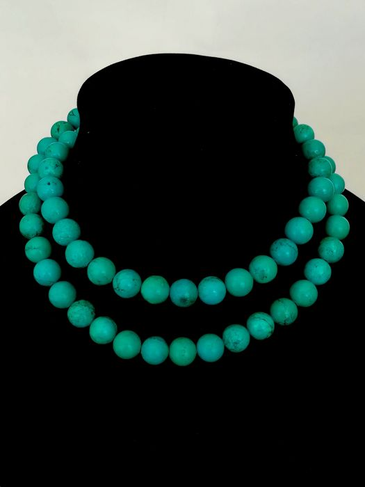 Turquoise stone Necklace, with silver clasp
