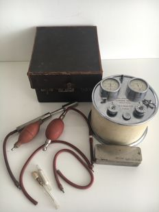 French insufflator, part of a Respirator - in matching box