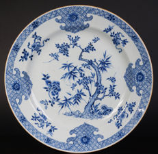 Very nice and large antique blue/white porcelain bowl - China - ca. 1750