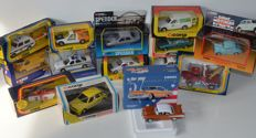 Corgi - Scale 1/36-1/76 - Lot with 14 models: Rescue Cars, Trucks, Fords, Vans etc.