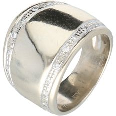 14 kt yellow gold eternity ring set with 24 round, brilliant cut diamonds, approx. 0.01 ct each - Ring size 17.75 mm