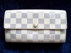 Louis Vuitton bi-fold clutch (special order) -*No Reserve Price!*