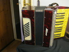 Accordion milano with case