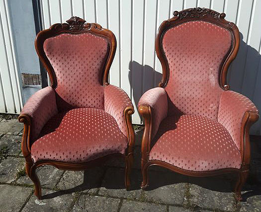 Two beautiful mahogany armchairs lined with red velvet fabric, first half 20th century