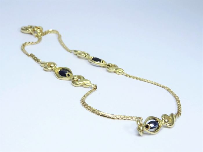 18 kt Gold Bracelet with Saqpphires