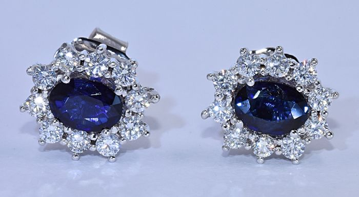 3.13 Ct Sapphire and Diamonds, rosette earrings - 18kt white gold - 20 brilliant cut diamonds – Size: 13x11 mm - ***NO reserve price***