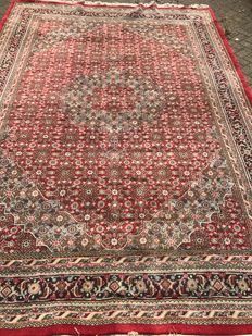 Gorgeous old hand-knotted XXL Herati rug, 252 x 356 cm