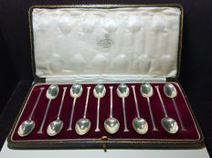 Boxed set of 12 sterling silver teaspoons - Cooper Brothers & Sons - Sheffield - 1918 & 1921