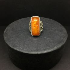 Antique Natural Old Baltic Amber ring egg yolk colour Amber, 6,2 g
