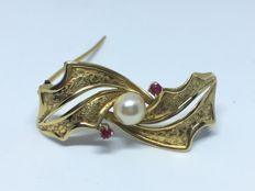 Brooch with pearl and rubies