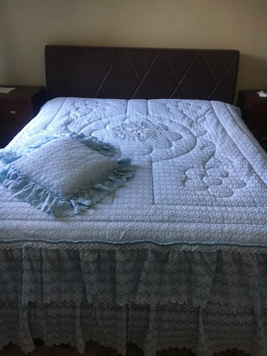 Vintage quilted bedspread from the 1970s - new, never used - NO RESERVE PRICE