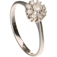 14 kt - White gold rosette ring set with 9 brilliant cut diamonds, 0.30 ct in total, set in a claw setting - Ring size: 17.5 mm
